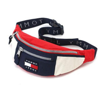 TOMMY HILFIGER - ボディバッグ