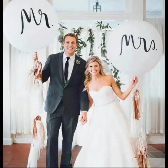 結婚式 風船 撮影小物 ウエディング バルーン mr&mrs 2種類セット ハンドメイドのウェディング(その他)の商品写真