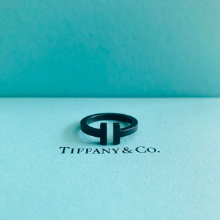 Tiffany & Co. - 【美品】Tiffany&Co.  ティファニーT スクエアリング ブラック