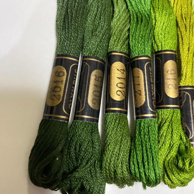 OLYMPUS(オリンパス)のオリムパス刺繍糸324 ハンドメイドの素材/材料(生地/糸)の商品写真