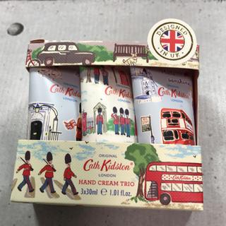 キャスキッドソン(Cath Kidston)のキャスキッドソン ✰︎ ハンドクリーム  トリオ ロンドン3×30ml(ハンドクリーム)