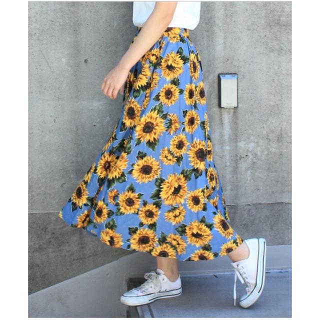 Dot&Stripes CHILDWOMAN(ドットアンドストライプスチャイルドウーマン)のひまわりプリントギャザーフレアスカート レディースのスカート(ロングスカート)の商品写真