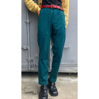 イッカ(ikka)のikka 深緑 スラックス (カジュアルパンツ)