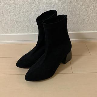 ローズバッド(ROSE BUD)のショートブーツ ブラック(ブーツ)
