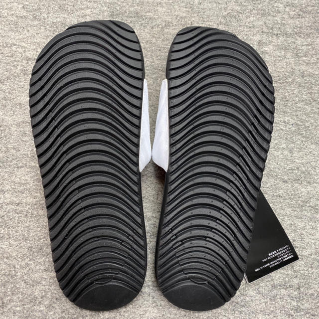NIKE(ナイキ)のNIKE ナイキ ナイキベナッシ シャワーサンダル レディースの靴/シューズ(サンダル)の商品写真