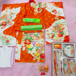 七五三   着物 長襦袢 はこせこ 帯揚げ しごき 7歳 オレンジ色(和服/着物)