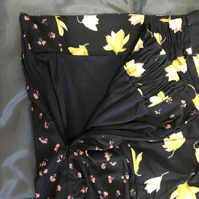 mysty woman(ミスティウーマン)のmysty woman花柄スカート  Fサイズ レディースのスカート(ロングスカート)の商品写真