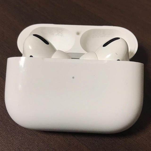 Apple(アップル)のApple airpods pro 正規品(訳あり品) スマホ/家電/カメラのオーディオ機器(ヘッドフォン/イヤフォン)の商品写真
