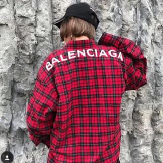 バレンシアガ(Balenciaga)のBALENCIAGA バレンシアガ バックロゴ チェックシャツ 赤(シャツ)