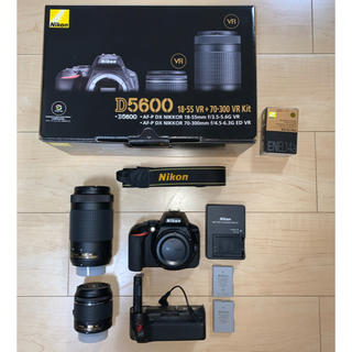 Nikon - 【新品同様おまけ付】ニコンD5600 ダブルズームキット