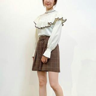 Lily Brown - LilyBrown リリーブラウン 透かし編みフリルニットトップス オフホワイト