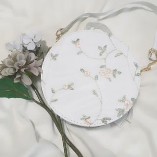 メゾンドフルール(Maison de FLEUR)のオーガンジー花柄刺繍 サークルショルダーバッグ(ショルダーバッグ)