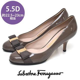 Salvatore Ferragamo - フェラガモ ヴァラリボン エナメル パンプス 5.5D(約22.5-23cm)