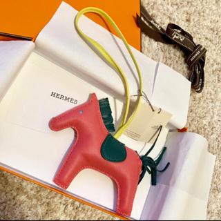 エルメス(Hermes)のエルメス ロデオチャーム ローズアザレMM ロデオ 新品未使用タグ付き(バッグチャーム)