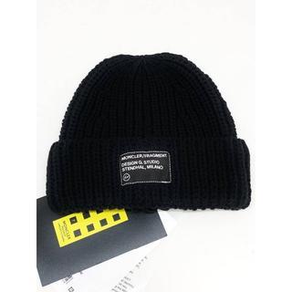 モンクレール(MONCLER)の新品 MONCLER FRAGMENT ロゴ パッチ ニット キャップ(ニット帽/ビーニー)