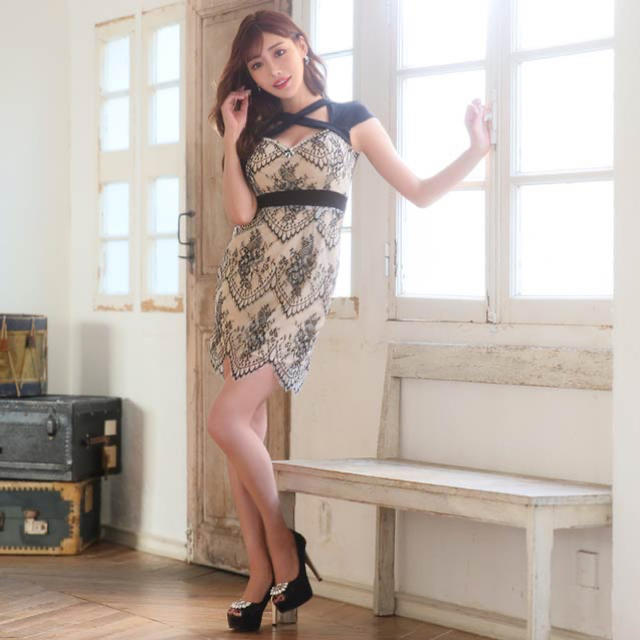 dazzy store(デイジーストア)のDazzystore♡明日花キララ クロスデザインフラワーレースタイトミニドレス レディースのフォーマル/ドレス(ミニドレス)の商品写真