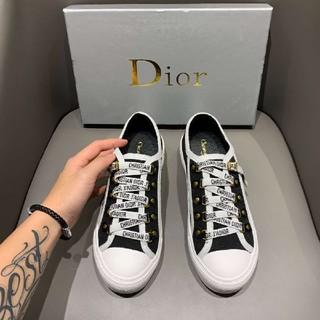 Dior - 美品 DIOR スニーカー R8