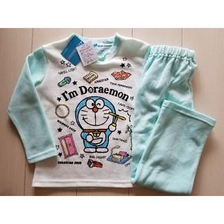 新品☆ドラえもんの長袖パジャマ♪サイズ 120 ルームウェア 寝巻き