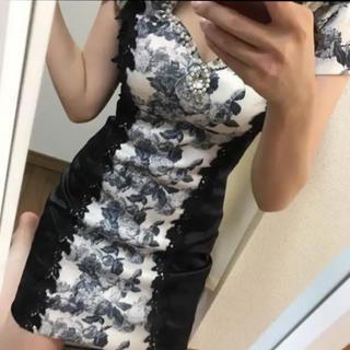 JEWELS - 花柄ドレス