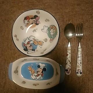Disney - ミッキーとミニーの食器とカトラリー