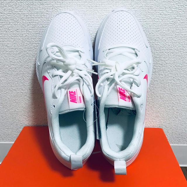 NIKE(ナイキ)のNIKE TODOS 24cm スニーカー 新品 レディース レディースの靴/シューズ(スニーカー)の商品写真