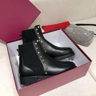 ヴァレンティノ(VALENTINO)のValentinoのブーツ(ブーツ)