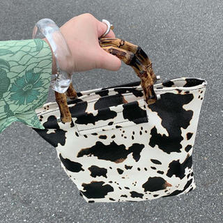 ZARA - 牛柄 カウデザインバッグ