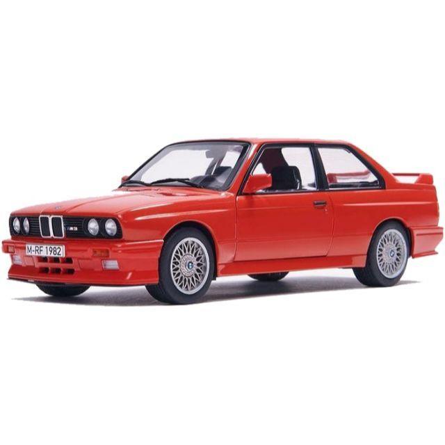 BMW(ビーエムダブリュー)のKith×BMW E30 M3 18分の1 ダイキャストカー マンプロ エンタメ/ホビーのおもちゃ/ぬいぐるみ(ミニカー)の商品写真