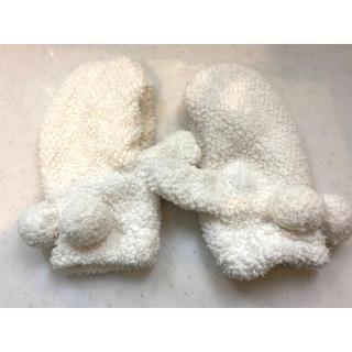 リズリサ(LIZ LISA)のLIZLISA ふわふわミトン 新品未使用(手袋)