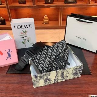 クリスチャンディオール(Christian Dior)のクリスチャンディオール ショルダーバッグ ボディバッグ(ショルダーバッグ)