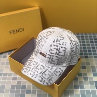 フェンディ(FENDI)のフェンディ キャップ ホワイト(キャップ)