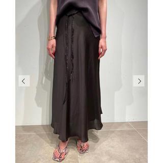 Mila Owen - 【新品未使用品】mila owen サテンロングスカート