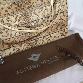 ボッテガヴェネタ(Bottega Veneta)の未使用、ボッテガヴェネタバッグ、ハラコ本革レザー使用。レパード柄(ショルダーバッグ)