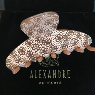アレクサンドルドゥパリ(Alexandre de Paris)の専用 アレクサンドルドゥパリ クリップ ベージュ 花がら 中サイズ(バレッタ/ヘアクリップ)