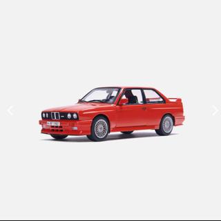 BMW - Kith×BMW E30 M3 18分の1 ダイキャストカー マンプロ