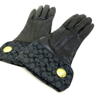 コーチ(COACH)のCOACH(コーチ) 手袋 レディース - 黒(手袋)