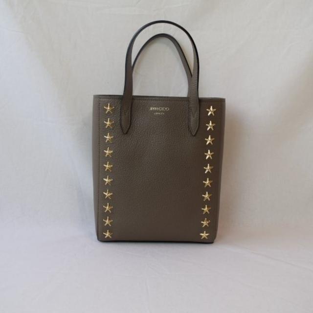 JIMMY CHOO(ジミーチュウ)の【新品・未使用】JIMMY CHOOスタースタッズ2WAYハンドバッグトープ レディースのバッグ(ハンドバッグ)の商品写真
