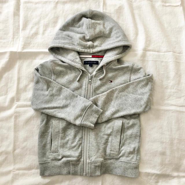 TOMMY HILFIGER(トミーヒルフィガー)のトミーヒルフィガー パーカー 4T  キッズ/ベビー/マタニティのキッズ服男の子用(90cm~)(ジャケット/上着)の商品写真