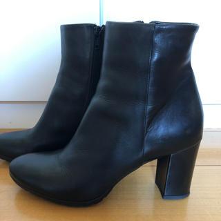 本革 黒ショートブーツ サイズ39 (24.5くらい)(ブーツ)