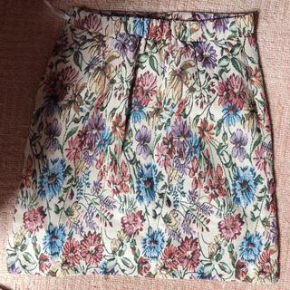 マジェスティックレゴン(MAJESTIC LEGON)の花柄スカート (ひざ丈スカート)