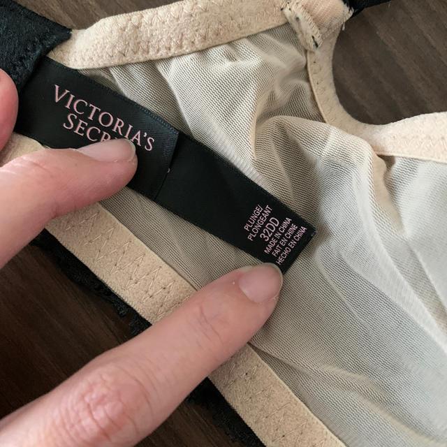 Victoria's Secret(ヴィクトリアズシークレット)のヴィクトリアシークレット ブラ32DD レディースの下着/アンダーウェア(ブラ)の商品写真