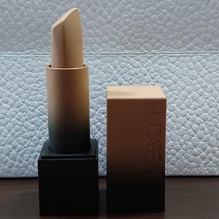 Sephora - huda  beauty lipstick STAYCATION