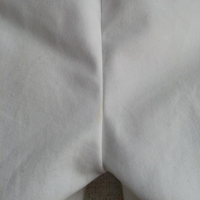 UNIQLO(ユニクロ)のアンクル丈黒パンツ・白パンツ レディースのパンツ(クロップドパンツ)の商品写真