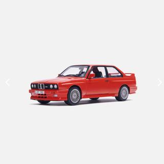 BMW - 【即発送】Kith×BMW E30 M3 18分の1 ダイキャストカー マンプロ