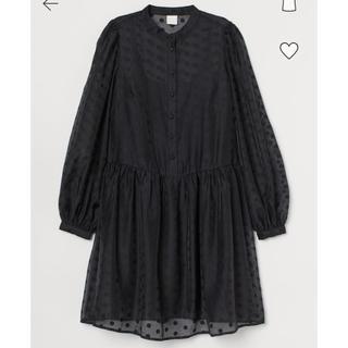 エイチアンドエム(H&M)の新品タグ付き H&M パフスリーブワンピース 黒 ドット(ミニワンピース)