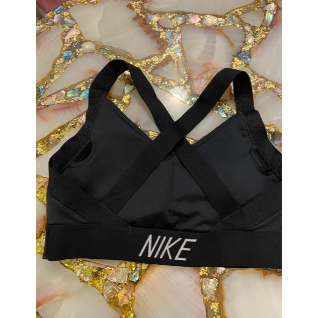 NIKE(ナイキ)のナイキ スポーツブラ スポーツ/アウトドアのトレーニング/エクササイズ(トレーニング用品)の商品写真