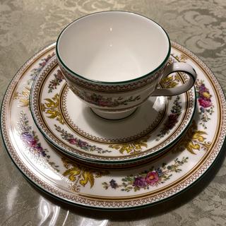 ウェッジウッド(WEDGWOOD)のウェッジウッド コロンビア エナメル ホワイト 20.5 黒壺 未使用品(食器)