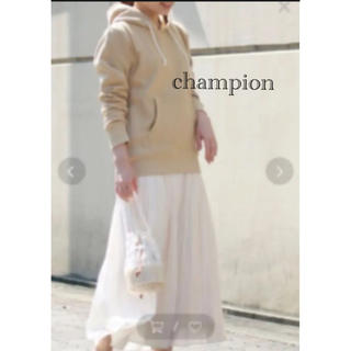 チャンピオン(Champion)のタグ付新品⭐️ミルクティー色で可愛い♡リバースウィーブフーディスウェット(パーカー)