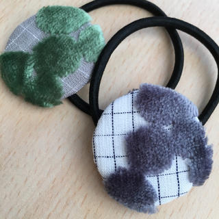 ミナペルホネン(mina perhonen)のミナペルホネン ヘアゴム handmade moss pearl 2点セット(ヘアアクセサリー)