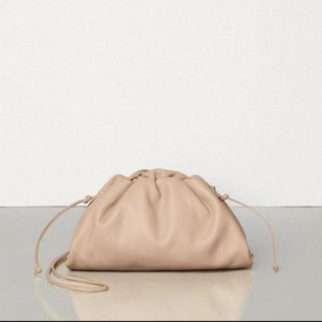 Bottega Veneta(ボッテガヴェネタ)のボッテガヴェネタ ザポーチ 2019AWシーズン色 ヌード レディースのバッグ(クラッチバッグ)の商品写真